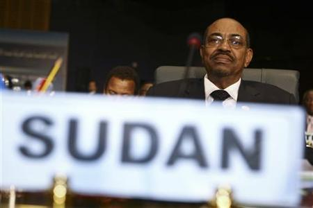 Sudan's President Omar Hassan al-Bashir attends the Non-Aligned Movement (NAM) summit in Sharm el-Sheikh July 15, 2009. REUTERS/Chris Bouroncle/Pool