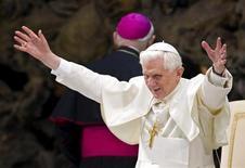 <p>Papa Benedetto XIV in una foto d'archivio. REUTERS/Max Rossi</p>