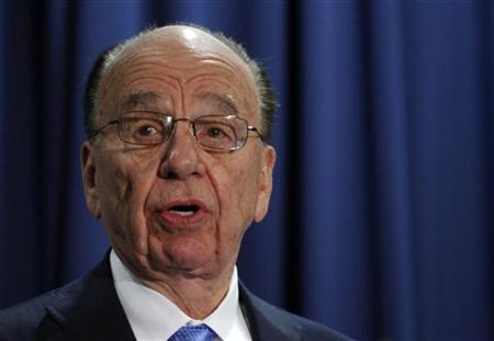 News Corp CEO Rupert Murdoch attends a workshop named ''How Will Journalism Survive the Internet Age'' at the Federal Trade Commission in Washington, December 1, 2009. REUTERS/Jason Reed