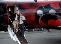 """<p>S'il n'a pas à rougir de son dernier rôle dans """"Up In The Air"""", nominé cinq fois aux Oscars, George Clooney est sans doute moins fier de """"Batman et Robin"""", élu film le plus désastreux de l'histoire par les lecteurs de la version en ligne du magazine américain Empire. Il y interprétait le rôle de Robin et Arnold Schwarzenegger campait Batman. /Photo d'archives/REUTERS</p>"""