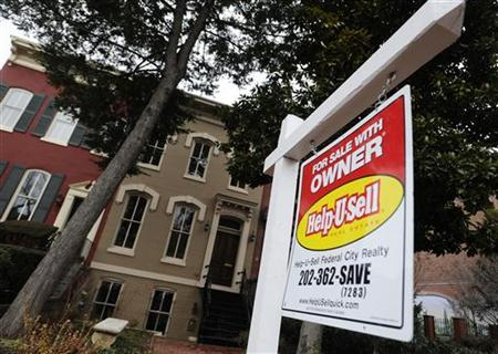 A sign marks a house for sale by the owner in the Capitol Hill neighborhood in Washington, January 24, 2010. REUTERS/Jonathan Ernst