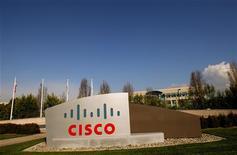 <p>Cisco Systems a livré des résultats trimestriels supérieurs aux attentes, imputables à une reprise de la demande pour les équipements réseaux, faisant état d'un chiffre d'affaires en hausse de 8% par rapport au même trimestre l'année dernière, à 9,8 milliards de dollars. /Photo prise le 3 février 2010/REUTERS/Robert Galbraith</p>