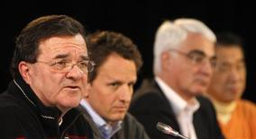 <p>Finance Minister Jim Flaherty (L) speaks during a news conference with U.S. Treasury Secretary Tim Geithner (2nd L), Britain's Chancellor of the Exchequer Alistair Darling (2nd R) and Japan's Finance Minister Naoto Kan during the G7 finance ministers' meeting in Iqaluit, Nunavut February 6, 2010. REUTERS/Chris Wattie</p>