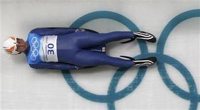 <p>O atleta Nodar Kumaritashvili, da Geórgia, durante o treinamento de luge em Vancouver. 12/02/2010 REUTERS/Pawel Kopczynski-Files (CANADA)</p>