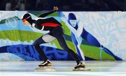 <p>Martina Sablikova of the Czech Republic skates during her women's 3000 metres speed skating race against Japan's Masako Hozumi at the Richmond Olympic Oval during the Vancouver 2010 Winter Olympics February 14, 2010. REUTERS/Dylan Martinez</p>