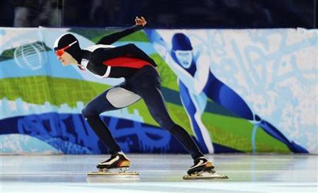 Martina Sablikova of the Czech Republic skates during her women's 3000 metres speed skating race against Japan's Masako Hozumi at the Richmond Olympic Oval during the Vancouver 2010 Winter Olympics February 14, 2010. REUTERS/Dylan Martinez