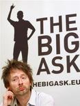 """<p>Лидер британской рок-группы Radiohead Том Йорк на пресс-конференции, посвященной кампании по защите природы """"Big Ask"""" в Брюсселе 27 февраля 2008 года. Лидер британской рок-группы Radiohead Том Йорк сообщил название своей новой супер-группы, которая весной отправится в турне по США. REUTERS/Yves Herman</p>"""