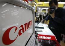 <p>Canon annonce que son offre de rachat d'Oce est inconditionnelle, tout en prolongeant cette offre jusqu'au 19 mars, dans l'espoir d'obtenir tous les titres du fabricant néerlandais de photocopieuses et d'imprimantes. /Photo d'archives/REUTERS/Kim Kyung-Hoon</p>