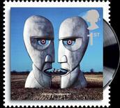 <p>Un francobollo britannico con la copertina dell'album dei Pink Floyd The Division Bell REUTERS/Royal Mail/Handout</p>