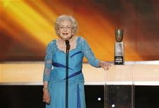 <p>Betty White speaks after receiving a lifetime achievement award at the 16th annual Screen Actors Guild Awards in Los Angeles January 23, 2010. REUTERS/Mike Blake (FILM-SAGAWARDS/SHOW)</p>