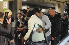 <p>David Beckham ieri all'ospedale di Mehilainen. REUTERS/Vesa Moilanen/Lehtikuva</p>