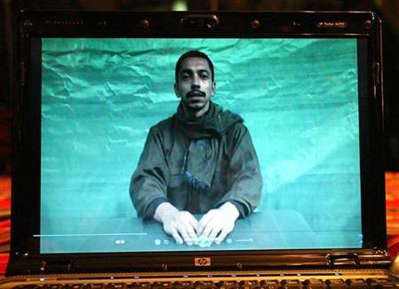 Kidnapped soldier Pablo Emilio Moncayo is shown in a video in Bogota September 24, 2009. REUTERS/El Tiempo/Alberto Urrego