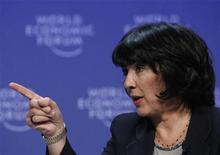 "<p>A jornalista Christiane Amanpour, fala com primeiro-ministro Gordon Brown no Fórum Econômico Mundial em Davos. Amanpour foi anunciada na quinta-feira como âncora do programa matutino dominical ""This Week"", do canal ABC News, após 27 anos como correspondente internacional da CNN. 31/01/2010 REUTERS/Denis Balibouse</p>"