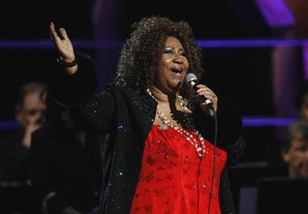 Singer Aretha Franklin performs during the second of two 25th Anniversary Rock & Roll Hall of Fame concerts in New York October 30, 2009. REUTERS/Lucas Jackson