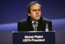 <p>Президент УЕФА Мишель Платини на 34-м Конгрессе организации в Тель-Авиве 25 марта 2010 года. Президент союза футбольных ассоциаций Европы Мишель Платини решил остаться во главе УЕФА на второй четырехлетний срок. REUTERS/Baz Ratner</p>