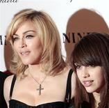 <p>Madonna e la figlia Lourdes in una foto d'archivio. REUTERS/Lucas Jackson (UNITED STATES - Tags: ENTERTAINMENT)</p>