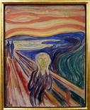 """<p>Imagen de archivo de la famosa pintura de Edvard Munch """"The Scream"""", es vista en el Museo Munch, en Oslo. Mayo 21 2008. La casa de subastas Christie's ofrecerá una importante pintura del artista noruego Edvard Munch en su venta de arte moderno e impresionista el 4 de mayo en Nueva York, donde se espera obtener entre 25 y 35 millones de dólares. REUTERS/Scanpix Norway/Stian Lysberg Solum /ARCHIVO</p>"""