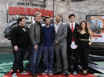 "<p>Cast members (L-R) Jonah Hill, Craig Ferguson, Jay Baruchel, Gerard Butler, T.J. Miller and America Ferrera pose for photographers at the premiere of the film ""How to Train Your Dragon"" in Los Angeles March 21, 2010. REUTERS/Phil McCarten</p>"