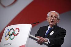 <p>Juan Antonio Samaranch in una foto d'archivio. REUTERS/Charles Dharapak/Pool (DENMARK SPORT OLYMPICS)</p>