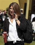 <p>21 aprile 2010, Cochabamba, Bolivia. Naomi Klein, autrice di No Logo, parla a telefono. REUTERS/David Mercado</p>