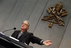 <p>Padre Federico Lombardi in una foto d'archivio. REUTERS/Alessandro Bianchi (VATICAN - Tags: RELIGION)</p>