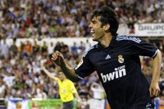 <p>Kaká retornou aos gramados após seis meses e marcou gol da vitória do Real Madrid sobre o Zaragoza. REUTERS/Sergio Perez</p>