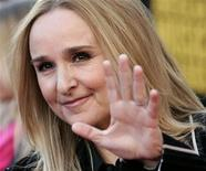 "<p>Musician Melissa Etheridge arrives at the 2009 American Music Awards in Los Angeles, California November 22, 2009. Etheridge is on the promotional trail for her 10th album ""Fearless Love."" REUTERS/Danny Moloshok</p>"