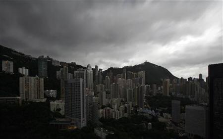 Clouds gather over Hong Kong on September 14, 2009. REUTERS/Bobby Yip