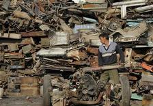 <p>Autodemolizione in foto d'archivio. REUTERS/Jianan Yu</p>