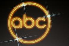 """<p>Imagen de archivo del logo de ABC. Jul 16 2008. El canal ABC presentó su nueva programación de horario estelar para la próxima temporada que contará con 10 nuevos shows, modificando una parrilla que ha sufrido caídas en los índices de audiencia y que pronto dejará de contar con la exitosa serie """"Lost"""". REUTERS/Fred Prouser/Archivo</p>"""
