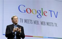 <p>El presidente ejecutivo de Google Inc, Eric Schmidt, presenta Google TV en San Francisco, EEUU. Mayo 20 2010. REUTERS/Robert Galbraith</p>