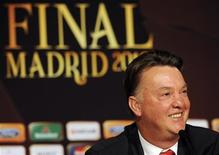 <p>L'allenatore del Bayern Monaco, Louis van Gaal al Bernabeu di Madrid. REUTERS/UEFA/Handout (SPAIN - Tags: SPORT SOCCER) FOR EDITORIAL USE ONLY. NOT FOR SALE FOR MARKETING OR ADVERTISING CAMPAIGNS</p>