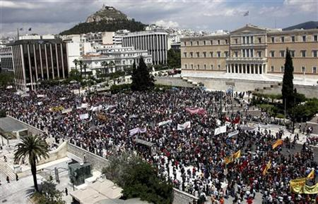 Demonstrators gather during a day of strikes outside parliament in Athens' Syntagma Square May 20, 2010. REUTERS/Icon/Kostas Baltas