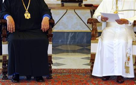 Pope Benedict XVI and the Orthodox archbishop of Cyprus, Chrysostomos II (L), meet at the Vatican June 16, 2007. REUTERS/Chris Helgren