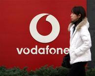 <p>Logo di Vodafone in foto d'archivio. REUTERS/Toshiyuki Aizawa</p>