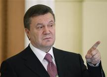 <p>Президент Украины Виктор Янукович на пресс-конференции в Киеве 2 апреля 2010 года. Украинский президент Виктор Янукович предложил провести зимнюю Олимпиаду 2022 года в Карпатских горах на западе страны, сообщает президентская пресс-служба в четверг. REUTERS/Gleb Garanich</p>