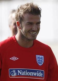 David Beckham trains with the England squad during a World Cup soccer training session at the Royal Bafokeng Sports Campus near Rustenburg, June 4, 2010. REUTERS/Darren Staples