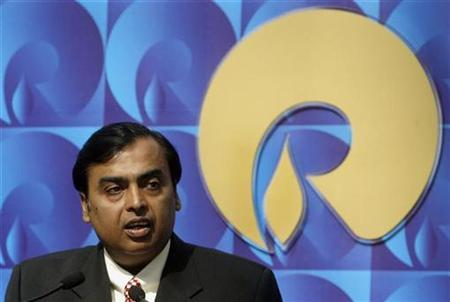 Mukesh Ambani, chairman of Reliance Industries, speaks during a news conference in Mumbai September 21, 2008. REUTERS/Punit Paranjpe