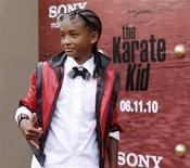 """<p>O ator Jaden Smith durante estreia do filme """"Karatê Kid"""" em Los Angeles. Jaden, de 11 anos, protagoniza o remake do filme original de 1984, no papel do garoto a quem um mestre ensina a se defender dos valentões da escola. 07/06/2010 REUTERS/Mario Anzuoni</p>"""