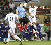 <p>França e Uruguai empataram em 0 x 0 pelo Grupo A da Copa do Mundo. REUTERS/Mike Hutchings</p>