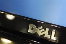 <p>Foto de archivo del logo de la compañía Dell en un ordenador portátil en una tienda de la cadena Best Buy en Phoenix, EEUU, feb 18 2010. La empresa tecnológica estadounidense Dell está en conversaciones con Google sobre el uso del sistema operativo Chrome en sus computadoras portátiles, dijo el lunes un alto ejecutivo de la compañía. REUTERS/Joshua Lott</p>
