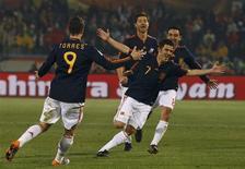 <p>David Villa, da Espanha, comemora gol na vitória por 2 x 1 sobre o Chile pelo Grupo H da Copa. REUTERS/Alessandro Bianchi</p>