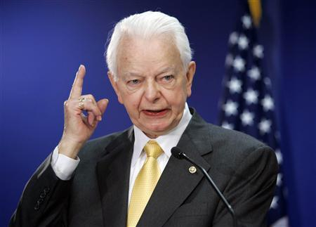 U.S. Senator Robert Byrd (D-WV) speaks in Washington, in this April 25, 2005 file photograph. Democratic U.S. Senator Byrd, the longest-serving member of Congress, is ''seriously ill'' and has been hospitalized, a spokesman for the West Virginia lawmaker said June 27, 2010. REUTERS/Kevin Lamarque/Files
