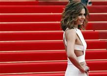 """<p>Imagen de archivo de la cantante Cheryl Cole, en la alfombra roja para la presentación de """"Hors La Loi"""" en el Festival de Cine de Cannes. Mayo 21 2010. La cantante británica y celebridad televisiva Cheryl Cole ha contraído malaria y está siendo tratada en el hospital, dijo un portavoz el martes. REUTERS/Jean-Paul Pelissier /ARCHIVO</p>"""