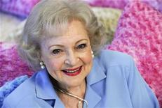 <p>Actress Betty White poses for a photograph in Los Angeles, California May 26, 2010. REUTERS/Gus Ruelas</p>