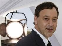 "<p>U.S director Sam Raimi poses during a photo call for his film ""Drag Me To Hell"" at the 62nd Cannes Film Festival, May 21, 2009. REUTERS/Eric Gaillard</p>"