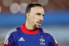 <p>Meia francês Franck Ribéry diz estar deprimido com escândalo, mas não preocupado. REUTERS/Charles Platiau</p>