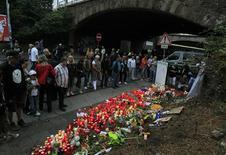 <p>O incidente ocorreu quando a multidão entrou em pânico perto do túnel de entrada do festival Love Parade, em Duisburg. 25/07/2010 REUTERS/Wolfang Rattay</p>