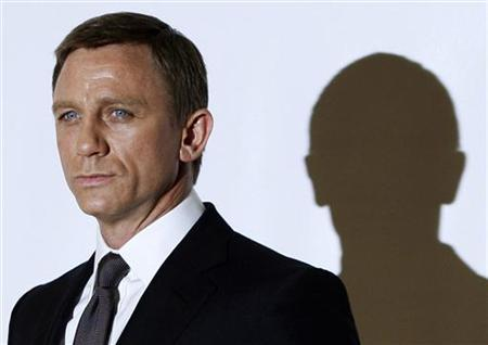 Actor Daniel Craig during a photocall to mark the start of production of the 22nd James Bond film, ''Quantum of Solace'', north of London, January 24, 2008. REUTERS/Stephen Hird