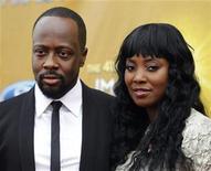 <p>Imagen de archivo del cantante Wyclef Jean junto a su esposa Marie Claudinette Jean, durante una entrega de premios en Los Angeles. Feb 26 2010. REUTERS/Danny Moloshok/ARCHIVO</p>